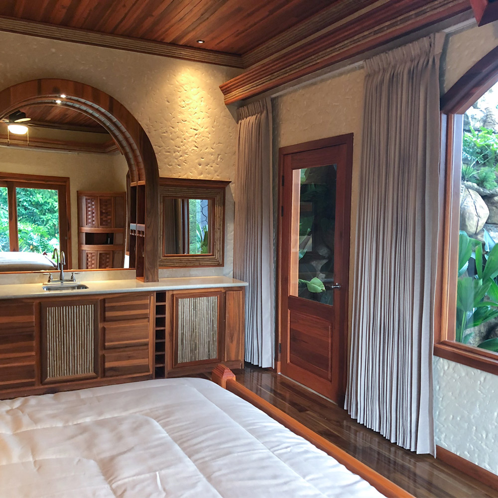 Arenal Hills Villa Fleta Second Story Master Bedroom With Mini Bar